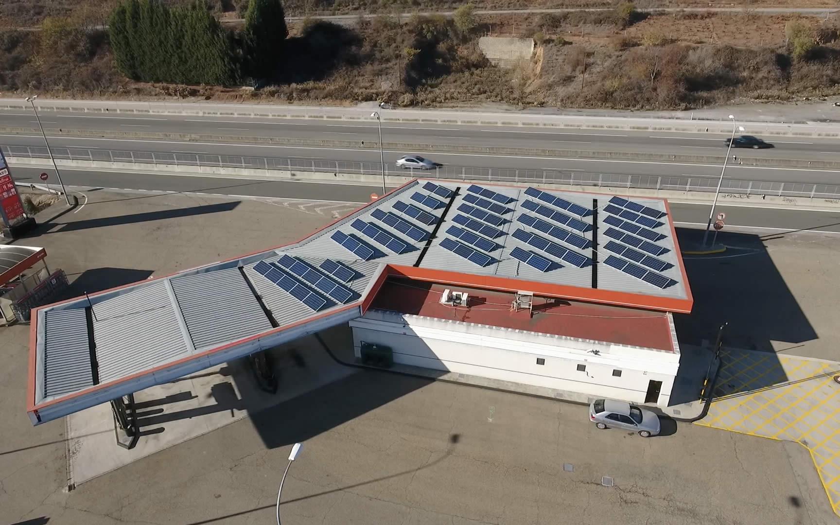 gasolineras con paneles solares